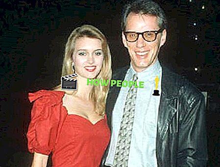 Sarah Owen Wiki, Alter, Bio (James Woods 'Wife) Familie, Größe, Angelegenheiten